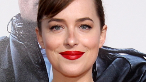 News: Dakota Johnson's Perfect Red Lips   StyleCaster
