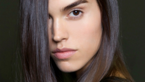 "Ask Us: ""Should I Dye My Hair Dark?"" 