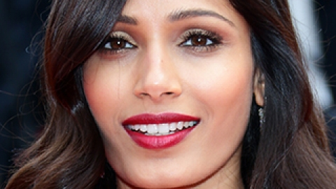 How to Pull Off Dark Lipstick During Summer | StyleCaster