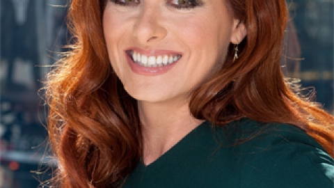 Debra Messing Shares Her Amazing DIY Skin Care Secret | StyleCaster