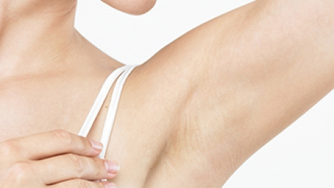 Why You Should Try Natural Deodorants   StyleCaster