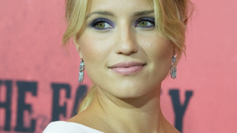 Dianna Agron Shows How to Make Purple Eye Shadow Look Romantic   StyleCaster