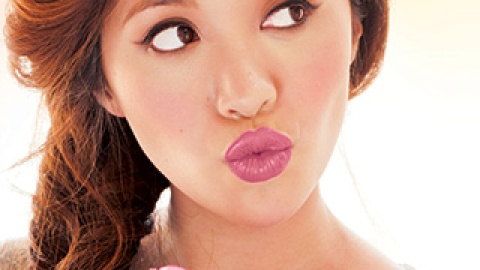 Check Out YouTube Star Michelle Phan's New Makeup Line, em | StyleCaster