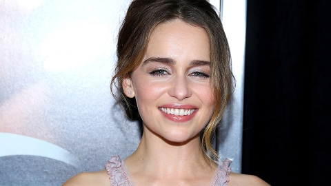Extremely Attractive Person Emilia Clarke Says She 'Never' Gets Hit On | StyleCaster