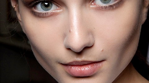 3 Simple Steps to Totally Sweat-Proofing Your Brows | StyleCaster