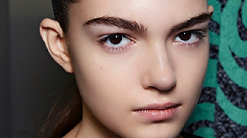 Is Brow Waxing Making You Look Older? | StyleCaster