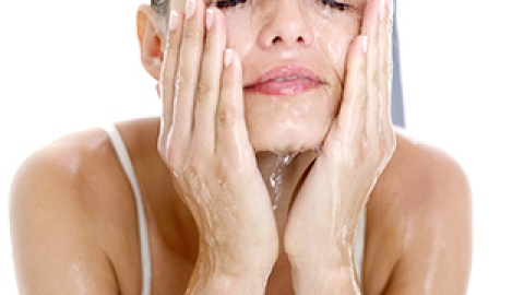 Why Your Face Needs a Massage   StyleCaster