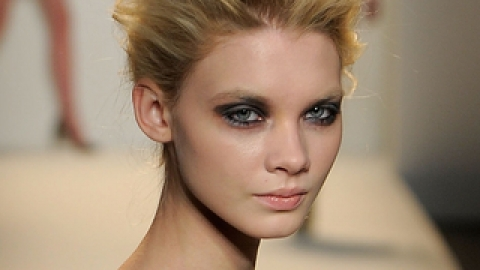 Sexy Fall Trend: Celestial Eyes | StyleCaster