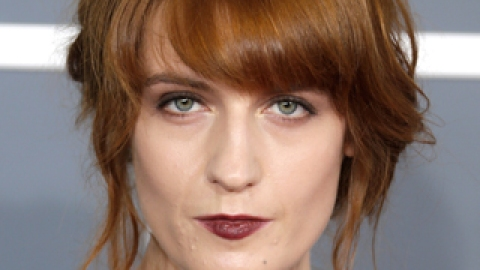 Get The Look: Florence Welch's Rich Brown Lip | StyleCaster