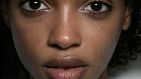 How to Remove Forehead Creases For Good | StyleCaster