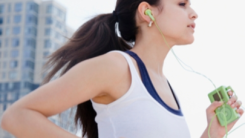 BGRW: Why Music Improves Your Workout | StyleCaster