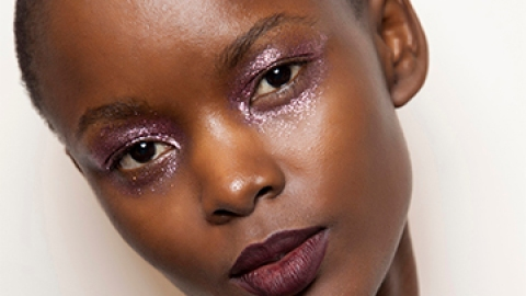 Your Guide to Wearing Glitter Makeup | StyleCaster