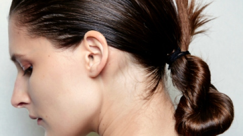 Bust Greasy Summer Hair For Good | StyleCaster