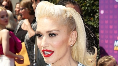 Gwen Stefani's Basically Unrecognizable in This No-Makeup Selfie | StyleCaster