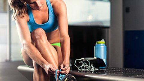 6 Hidden Beauty Dangers at the Gym | StyleCaster