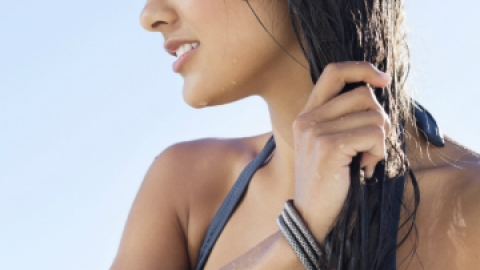 Why You Should Always Use a Hair Sunscreen | StyleCaster