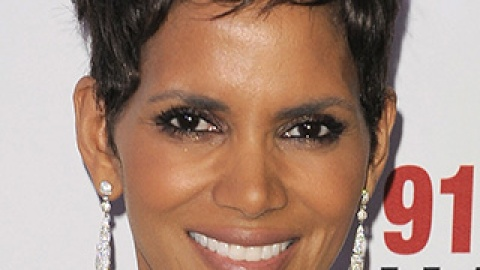 News: Halle Berry Gives Birth; Demi Lovato is Launching Nail Art Kits | StyleCaster
