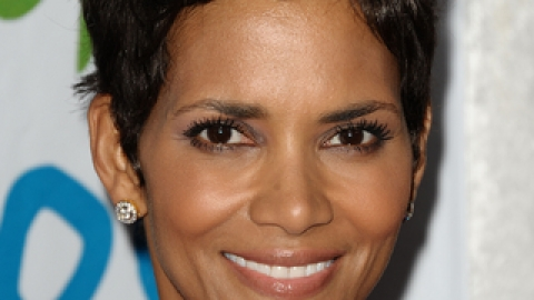 Halle Berry Has The Best Fragrance   StyleCaster
