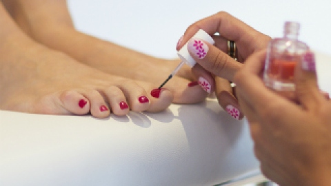 The Health Benefits of Pedicures | StyleCaster