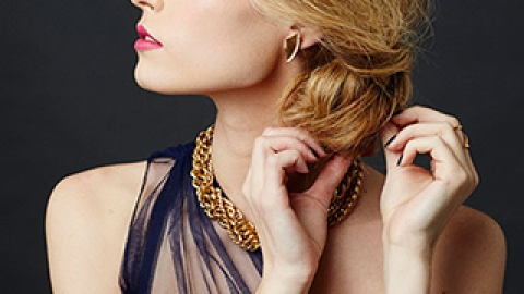 5 Easy Holiday Hairstyles Sure to Impress this Holiday Season | StyleCaster