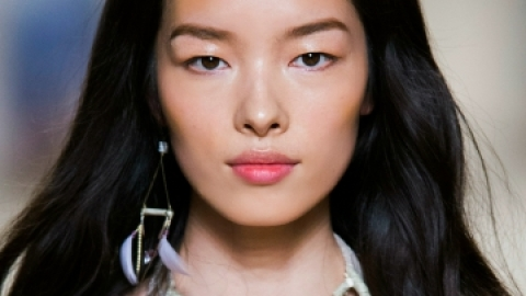 "Ask Us: ""How Do I Stop Shiny Skin?"" 
