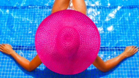 Dermatologist Tips to Treat ANY Sunburn | StyleCaster