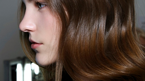 The Right Way to Use Hair Oils for Gorgeous Hair | StyleCaster