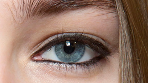 The Right Way to Cover Up Dark Circles   StyleCaster
