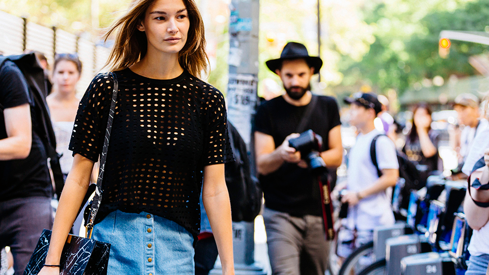 How to Wear a Denim Skirt: 13 Outfits to Copy Now