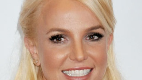 Makeover Alert! Britney Spears Is a Brunette | StyleCaster