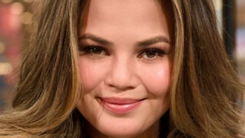Makeover Alert! Chrissy Teigen Got (Fake) Bangs | StyleCaster