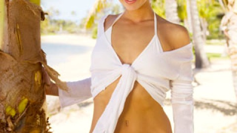 Find Your Perfect Beach Beauty Look | StyleCaster