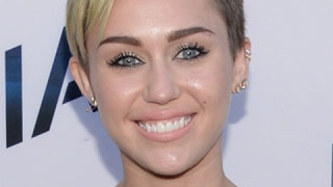 Miley Cyrus is Growing Out Her Hair to Look Like Madonna   StyleCaster