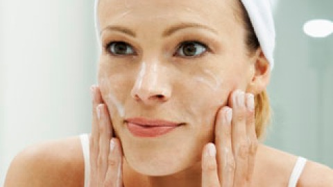 You're Doing It Wrong: Face Moisturizer   StyleCaster