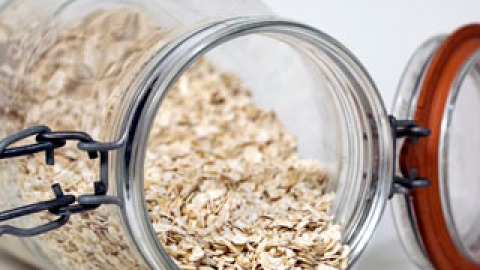 8 Beauty Uses of Oatmeal   StyleCaster