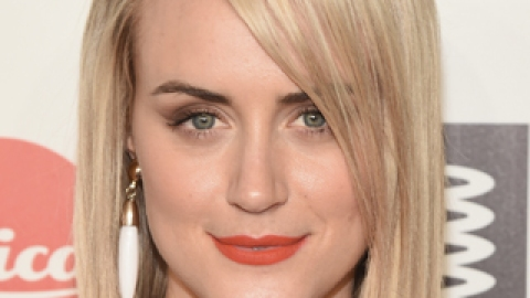 The Secret Behind Taylor Schilling's Perfect Orange-Red Lip | StyleCaster