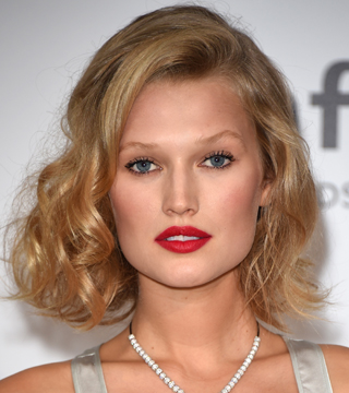 The Best Medium Hairstyles for Thick Hair