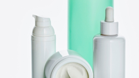 Toxins in Your Beauty Products? 8 Things to Know Now   StyleCaster