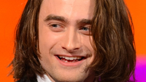 News: Daniel Radcliffe's Bob Extensions; Britney Spears' Beauty Confession | StyleCaster
