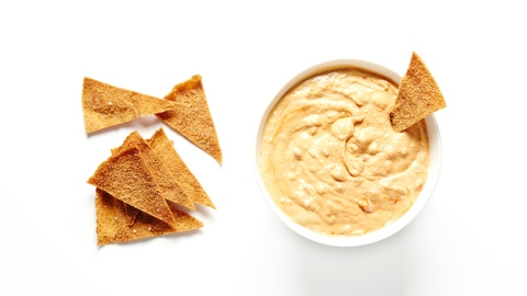 How to Make Homemade Hummus and Pita Chips That Rival Anything Store-Bought | StyleCaster