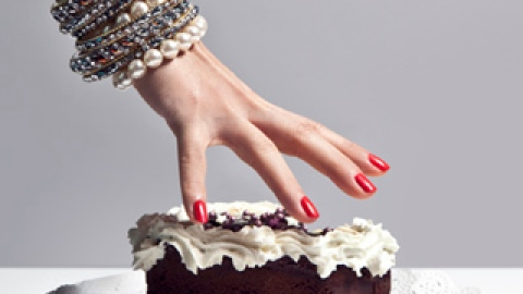The Weird Factor That's Causing Your Food Cravings | StyleCaster