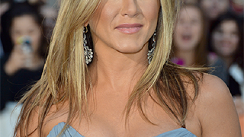 News: Jennifer Aniston Doesn't Want to Look Good 'for Her Age'; GOOP Talks Oil Pulling | StyleCaster