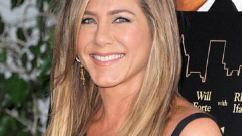 News: Did Jennifer Aniston Get Bangs? | StyleCaster