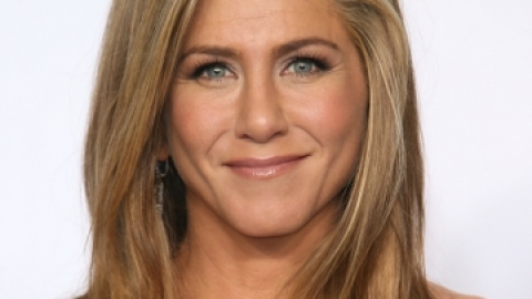 25 Years of Jennifer Aniston's Hairstyles | StyleCaster