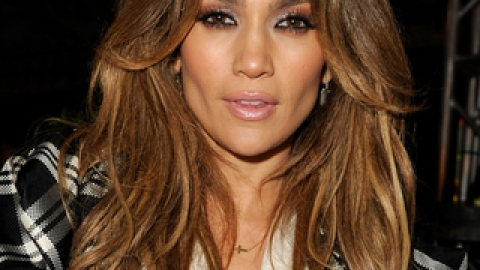 Jennifer Lopez's New Bling | StyleCaster