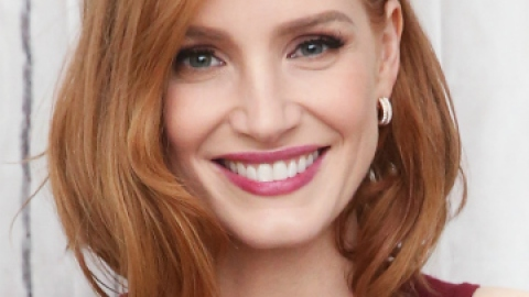 News: Jessica Chastain's Goth Phase | StyleCaster