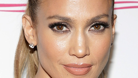 News: Jennifer Lopez's Natural Hair Look; The Young Hollywood Awards | StyleCaster