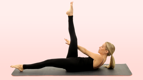 Cinch Your Waist With This 60-Second Obliques Workout | StyleCaster