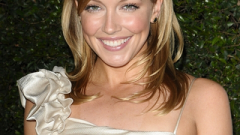 Katie Cassidy's Hot Holiday Tips | StyleCaster