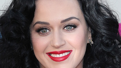 The American Music Awards' Best (and Worst!) Beauty Looks | StyleCaster
